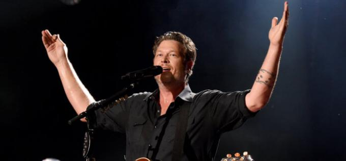 Blake Shelton, Lauren Alaina, The Bellamy Brothers, John Anderson & Trace Adkins at Wells Fargo Arena